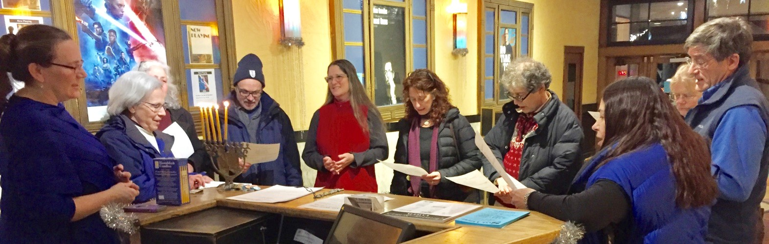 L to R-Rabbi, Ellen, Andi Waisman,  Ami Maglin/guest, Tamara Stenn, Jesse Lepkoff, Susan Auslander and guests. Photo Credit: Stephan Brandstatter